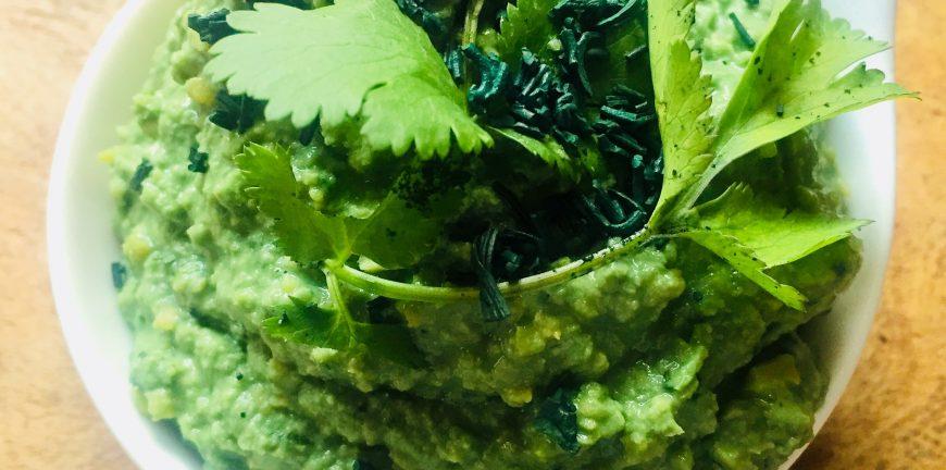 Spirulina hummus